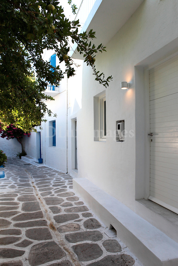 cycladic paved path