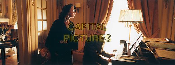 Marion Cotillard.in La Vie en Rose (La mome).*Filmstill - Editorial Use Only*.CAP/PLF.Supplied by Capital Pictures.