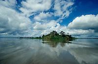 East Sepik Province. Confluence of Korosameri (l.) and Sepik River.