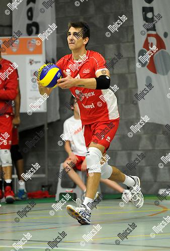2013-10-19 / Volleybal / seizoen 2013-2014 / Puurs / Dennis Deroey<br /><br />Foto: Mpics.be