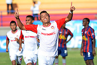 RIOHACHA -COLOMBIA-26-06-2013. Un jugador de U. Autónoma celebra un gol en contra de Unión Magdalena durante el aprtido de ida de la final del Torneo Postobón I-2013 en el estadio Federico Soto Serrano de la ciudad de Riohacha./ U. Autonoma player celebrates a goal against Union Magdalena during the first match of the final of Postobon Tournament I-2013 at Federico Soto Serrano stadium in Riohacha. Photo: VizzorImage/Alfonso Cercantes/STR