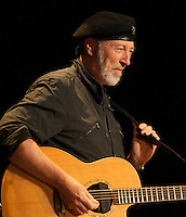 Sir Richard Thompson founder of Fairport Convention playing Newburyport MA.