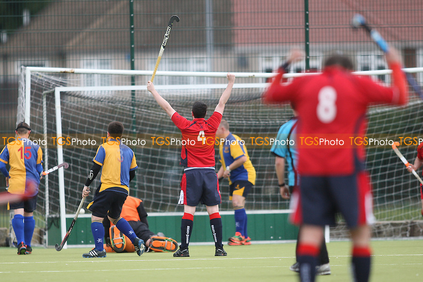 Brentwood take the lead and celebrate-Upminster HC vs Brentwood HC, East Region League Field Hockey at the Coopers Company and Coborn School on 19th March 2016