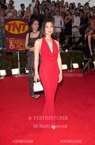 12MAR2000: Actress MING-NA WEN at the 6th Annual Screen Actors Guild Awards in Los Angeles..© Paul Smith / Featureflash