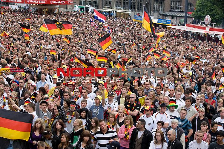 UEFA Euro 2008 Group B Fanmeile Bremen Match 11 <br /> <br /> Kroatien ( CRO ) - Deutschland ( GER ) 2:1 (1:0)<br /> Croatia vs. Germany<br /> <br />  Public Viewing in Bremen.<br /> <br /> <br /> Foto &copy; nph (  nordphoto  ) *** Local Caption ***