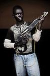 Emmanuel. 12 ans. 2 ans passés dans les groupes armés. Bukavu, RDC, juillet 2013.