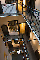 Europe/Autriche/Niederösterreich/Vienne: La Mozarthaus: La Maison Mozart  - Figarohaus - au  5 de la Domgasse - l'escalier