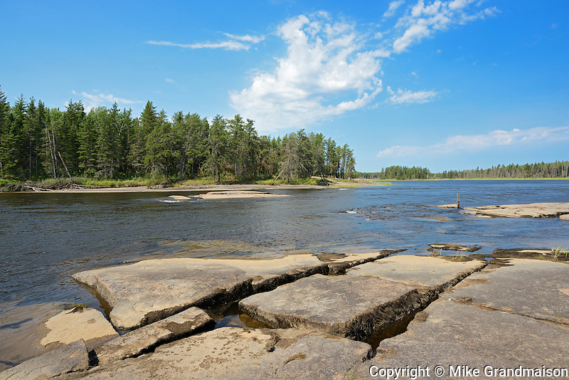 Rocky shoreline along the Bloodvein River<br /> Bloodvein<br /> Manitoba<br /> Canada