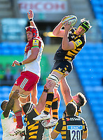 James Gaskell of Wasps wins the ball at a lineout. Aviva Premiership match, between Wasps and Harlequins on October 2, 2016 at the Ricoh Arena in Coventry, England. Photo by: Patrick Khachfe / JMP