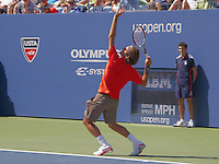 Roger Federer serving at U S Open 2008