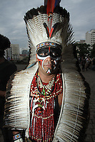 SÃO PAULO,SP, 11.11.2015 - PROTESTO-INDIGENAS- Grupo de várias etnias indigenas se protestam contra a PEC 2015 no vão livre do Masp na região da avenida Paulista em São Paulo, nesta quarta-feira, 11. (Foto: Amauri Nehn/Brazil Photo Press)