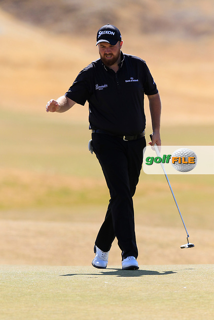 Shane LOWRY (IRL) sinks his birdie putt on the 5th green during Friday's Round 2 of the 2015 U.S. Open 115th National Championship held at Chambers Bay, Seattle, Washington, USA. 6/19/2015.<br /> Picture: Golffile | Eoin Clarke<br /> <br /> <br /> <br /> <br /> All photo usage must carry mandatory copyright credit (&copy; Golffile | Eoin Clarke)