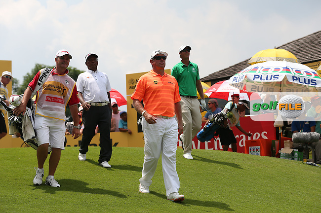 Lee Westwood (ENG) leads out down the last on -15 during Round Three of the 2014 Maybank Malaysian Open at the Kuala Lumpur Golf & Country Club, Kuala Lumpur, Malaysia. Picture:  David Lloyd / www.golffile.ie