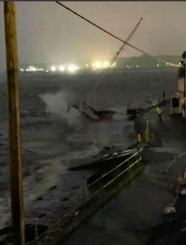 A boat battered by Storm Ellen in Cork Harbour Photo: via Twitter
