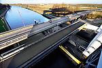De Prinses Beatrixsluizen in Nieuwegein is een sluizencomplex met twee kolken. Ze vormen, via het Lekkanaal, de scheepvaartverbinding tussen de rivier de Lek en het Amsterdam-Rijnkanaal. De 225 meter lange en 18 meter brede kolken, krijgen een nieuwe 270 meter en 25 meter naast zich liggen die gebouwd gaat worden door consortium Sas van Vreeswijk, bestaande uit de Belgische bedrijven Besix Group, RebelValley en TDP en Heijmans. COPYRIGHT TON BORSBOOM