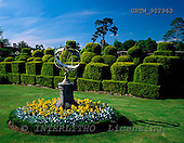 Tom Mackie, FLOWERS, photos, Tudor Topiary Chess Set, Hever Castle, Kent, England, GBTM902963,#F# Garten, jardín