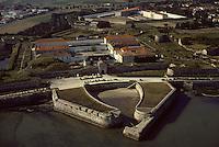 Europe/France/Poitou-Charentes/17/Charente-Maritime/Ile de Ré/Saint-Martin-de-Ré : La citadelle (1681 qui servit de prison dans laquelle Mirabeau fut enfermé)- Vue aérienne