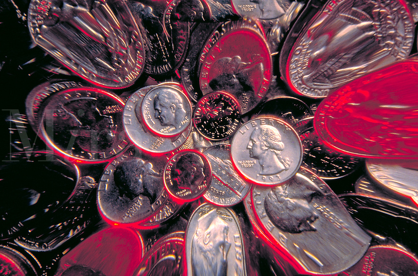 Zoom effect on US coins.