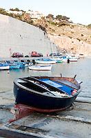 Castro Marina - Salento - Puglia - Barca nel porto di Castro Marina.