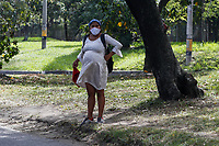 MEDELLIN - COLOMBIA, 06-05-2020: Personas medigando en medio de la reactivación en Medellín durante el día 43 de la cuarentena total obligatoria en el territorio colombiano causada por la pandemia  del Coronavirus, COVID-19. / People ask for help in the midddle of the revival in Medellin during day 40 of total quarantine in Colombian territory caused by the Coronavirus pandemic, COVID-19. Photo: VizzorImage / Leon Monsalve / Cont