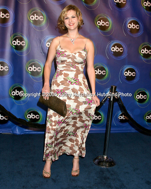 Sara Rue.ABC TV TCA Party.The Wind Tunnel.Pasadena, CA.January 21, 2006.©2006 Kathy Hutchins / Hutchins Photo....