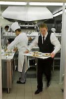 Europe/France/2B/Haute Corse/Calvi: En cuisine avec Christophe Bacquié Chef du restaurant: L'Alivu de l'Hotel La Villa, Meilleur Ouvrier de France, serveur au passe