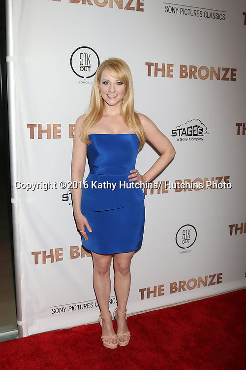 LOS ANGELES - MAR 7:  Melissa Rauch at the The Bronze Premiere at the SilverScreen Theater at the Pacific Design Center on March 7, 2016 in Los Angeles, CA