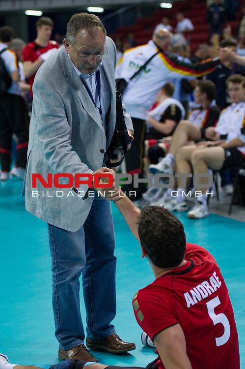 10.05.2012, Armeec Arena, Sofia, BUL, Olympiaqualifikation Volleyball, Vorrunde, Deutschland (GER) vs. Italien (ITA), im Bild Günter / Guenter Hamel (Sportdirektor Deutscher Volleyball Verband DVV), Björn / Bjoern Andrae (#5 GER / Kemerovo RUS) // during the 2012 Olympic Games European Qualification at Armeec Arena, Sofia, BUL, Germany (GER) vs. Italy (ITA), 2012-05-10. Foto © nph / Kurth *** Local Caption ***