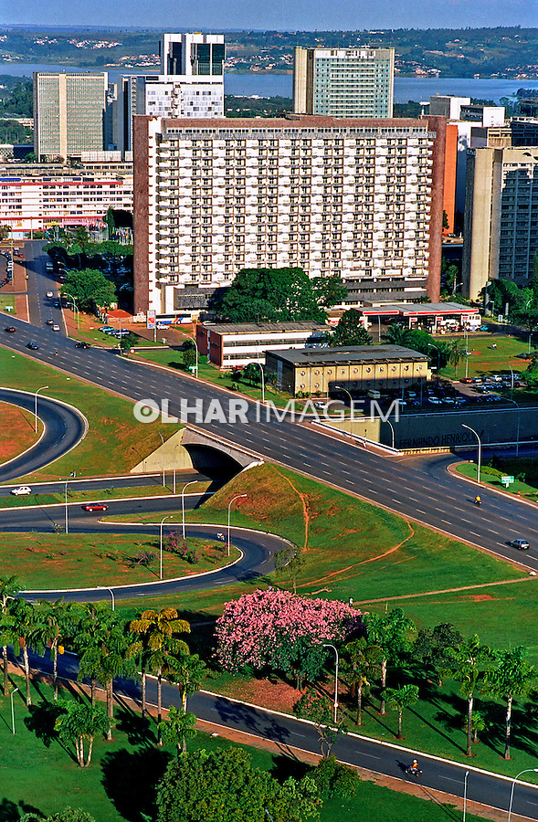 Setor comercial de Brasília. 2001. Foto de Juca Martins.