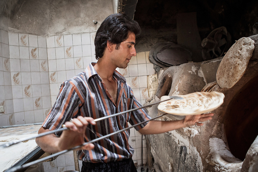 Breadmaker in Yazd