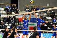 GRONINGEN - Volleybal, Lycurgus - Taurus,  seizoen 2018-2019, 08-12-2018 setup Lycurgus speler Sam Gortzak op Lycurgus speler Sander Scheper