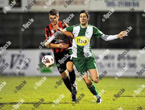2011-01-22 / Voetbal / seizoen 2010-2011 / Willebroek-Meerhof - KFC Zele / Droessaert met Emmanuel Spinelli (r, RCM)..Foto: mpics