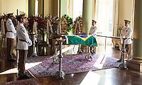 RIO DE JANEIRO, 06 DE DEZEMBRO 2012 - MORTE OSCAR NIEMEYER - Velorio do arquiteto Oscar Niemeyer no Palacio da Cidade (sede da Prefeitura do Rio de Janeiro) no bairro de Botafogo regiao sul da capital fluminensena manha desta quinta-feira, 07 dezembro. O arquiteto morreu na quarta-feira, 05 dezembro à noite vítima de infecção respiratória, aos 104 anos. FOTO: VANESSA CARVALHO - BRAZIL PHOTO PRESS.
