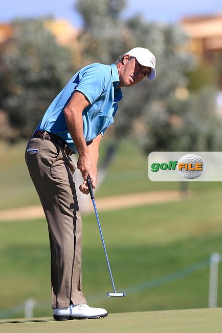 Richard Green (AUS) putts on the 1st green during Saturday's Round 3 of the Portugal Masters at the Oceanico Victoria Golf Course, Vilamoura, Portugal 13th October 2012 (Photo Eoin Clarke/www.golffile.ie)