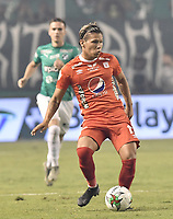 PALMIRA - COLOMBIA, 08-02-2020: Rafael Carrascal del America en acción durante el partido entre Deportivo Cali y América de Cali por la fecha 4 de la Liga BetPlay DIMAYOR I 2020 jugado en el estadio Deportivo Cali de la ciudad de Palmira. / Rafael Carrascal of America in action during match between Deportivo Cali and America de Cali for the date 4 as part of BetPlay DIMAYOR League I 2020 played at Deportivo Cali stadium in Palmira city. Photo: VizzorImage / Gabriel Aponte / Staff