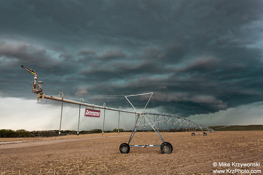 Supercell thunderstorm above an irrigation system in Nebraska, May 20, 2014