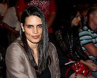 SAO PAULO, SP, 19, DE JANEIRO 2012 - SAO PAULO FASHION WEEK  - A modelo e jornalista Cassia Avila  e vista durante desfile da grife Animale no primeiro dia de desfiles edicao Outono-Inverno 2012, da São Paulo Fashion Week, na Bienal do Ibirapuera na regiao sul da capital paulista. (FOTO: MILENE CARDOSO - NEWS FREE).