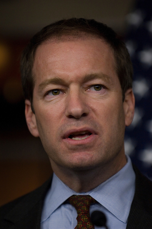 WASHINGTON, DC - Dec. 15: Rep. Peter Roskam, R-Ill., during a news conference on the Obama administration's decision to bring detainees from Guantanamo Bay to a facility in Thomson, Ill. (Photo by Scott J. Ferrell/Congressional Quarterly)