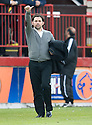 Thumbs up from Alloa manager Paul Hartley at the end of the game ...