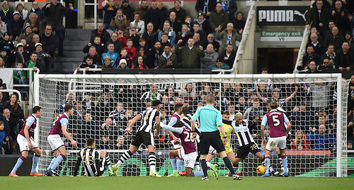 February 20th 2017, St James Park, Newcastle, England; Skybet Championship football, Newcastle versus Aston Villa; Yoan Gouffran of Newcastle United reaches for the ball in front of goal before he scores the opening goal