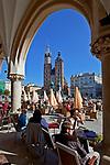 Koścół Mariacki, widok  z kawiarni Noworolski w Sukiennicach, Rynek Główny w Krakowie<br /> St. Mary's Church from the Cloth Hall, Main Market Square in Cracow, Poland