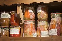 Europe/France/Rhône-Alpes/74/Haute-Savoie/Avoriaz: Bocaux de conserves régionales  chez Jean Luc Woehl Fromager -Epicerie Fine- Produits savoyards : Le Garde Manger