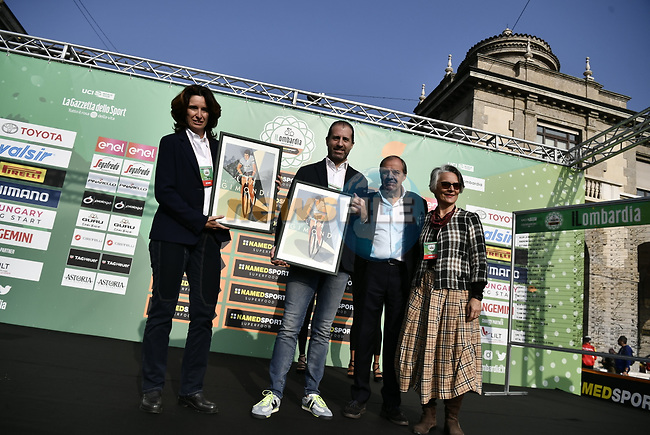 In memory of the late great Champion Felice Gimondi at sign on before the 113th edition of Il Lombardia 2019 running 243km from Bergamo to Como, Italy. 12th Octobre 2019. <br /> Picture: Marco Alpozzi/LaPresse | Cyclefile<br /> <br /> All photos usage must carry mandatory copyright credit (© Cyclefile | LaPresse/Marco Alpozzi)