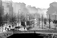 Milano, quartiere Niguarda, periferia nord. Capolinea del tram --- Milan, Niguarda district, north periphery. Trolleycar end of line