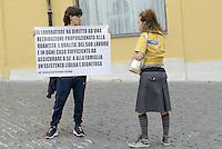 Roma, 28 Settembre 2015<br /> Lavoratrici e lavoratori Ikea protestano contro la riduzione dei salari imposti da Ikea. <br /> Art 36 della Costituzione<br /> Ikea workers protest against the lowering of wages by Ikea.