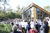 Viele Besucher bei der Eröffnung der Lern- und Gedenkstätte