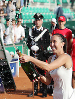 Internazionali d'Italia di tennis a Roma, 18 maggio 2008. Finale del torneo femminile..Italy's Masters tennis women's tournament in Rome, 18 may 2008. Final match. Serbia's Jelena Jankovic sprays champagne at the end of the award ceremony..UPDATE IMAGES PRESS/Riccardo De Luca