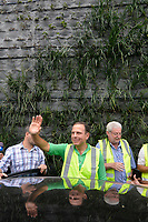 SÃO PAULO,SP, 09.04.2017 - CORREDOR VERDE - O prefeito João Doria participa da conclusão da primeira etapa de instalação do Corredor Verde da avenida 23 de Maio, próximo ao parque do Ibirapuera, zona sul de São Paulo, na tarde deste domingo, 09. (Foto: Levi Bianco/Brazil Photo Press)