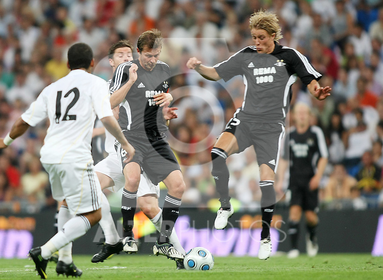 Rosenborg's Skjelbred (r) and Strand during friendly match.August 24 2009. (ALTERPHOTOS/Acero).