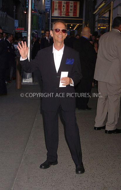 "WWW.ACEPIXS.COM . . . . . ....April 19 2006, New York City....JOEL GREY....Arrivals at the opening night of ""Three Days of Rain"" staring Julia Roberts at the Bernard B Jacobs Theatre in midtown Manhattan....Please byline: AJ SOKALNER - ACEPIXS.COM..... . . . . ..Ace Pictures, Inc:  ..(212) 243-8787 or (646) 679 0430..e-mail: picturedesk@acepixs.com..web: http://www.acepixs.com"